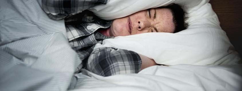 mujer-que-no-puede-dormir-scaled.