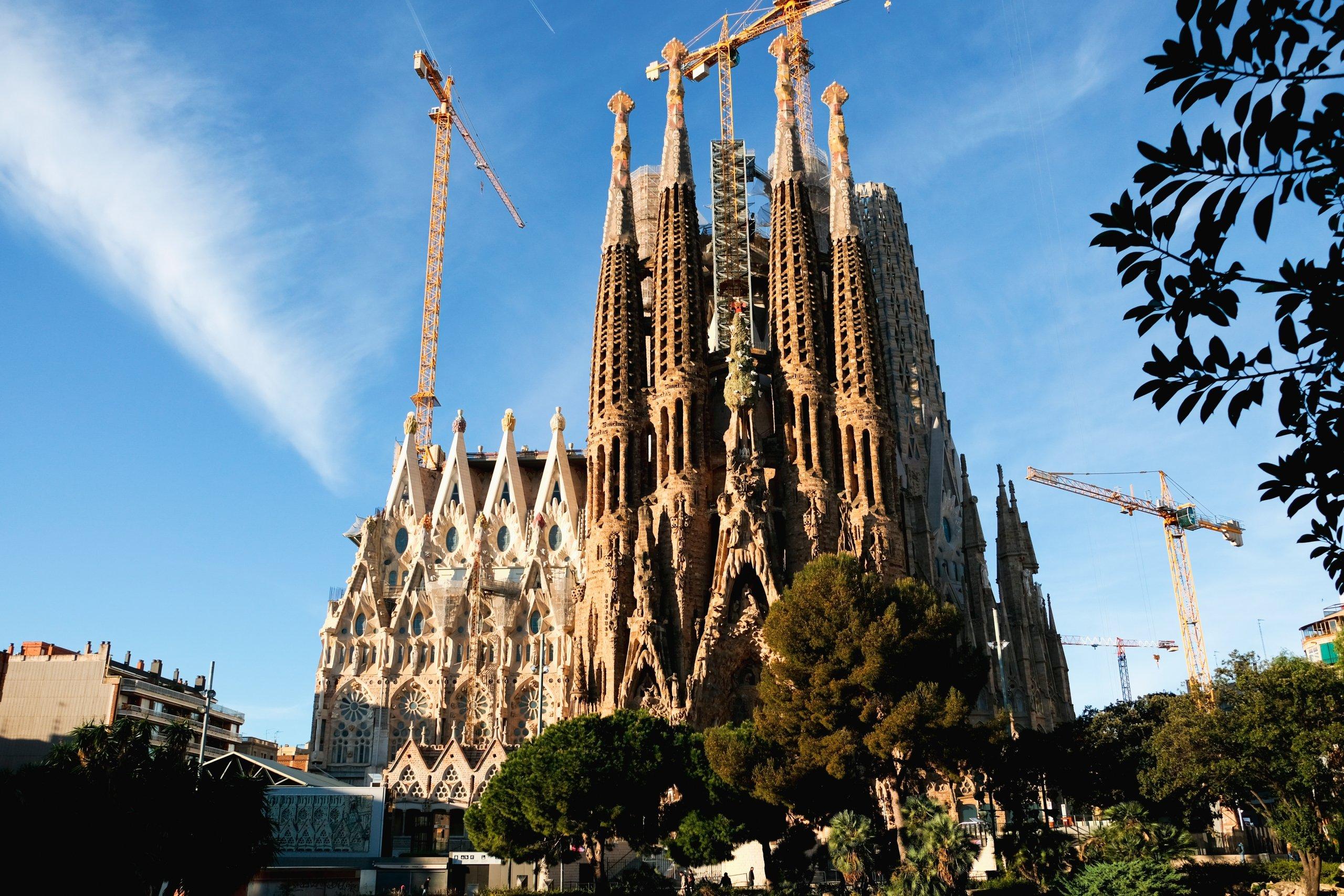 Tributos locales imagen de la Sagrada Familia
